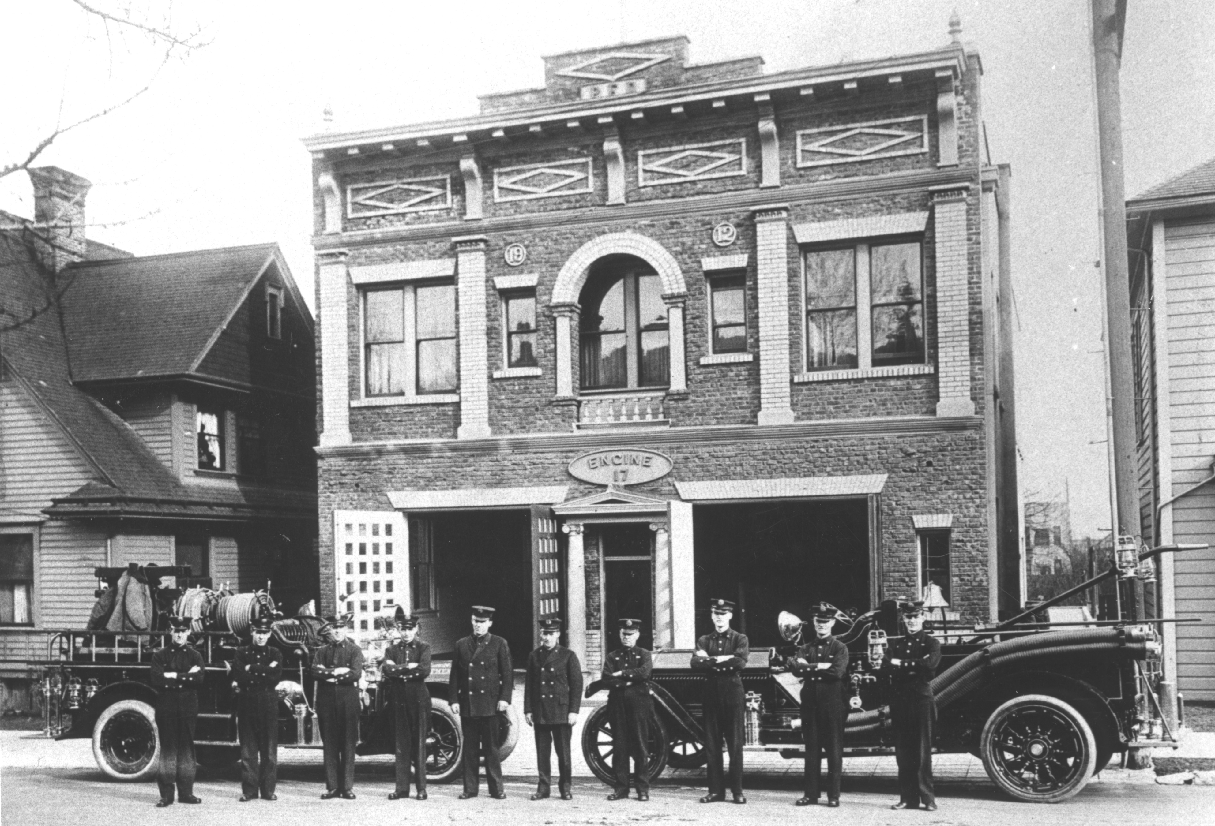 Fire Station 17 1915 Vintage Portland