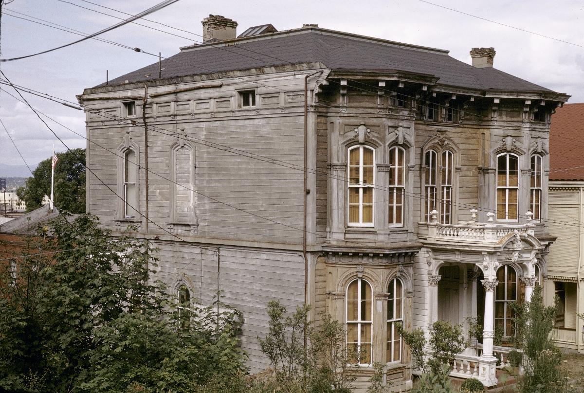 Morris marks house 1963 vintage portland for Building a home in oregon