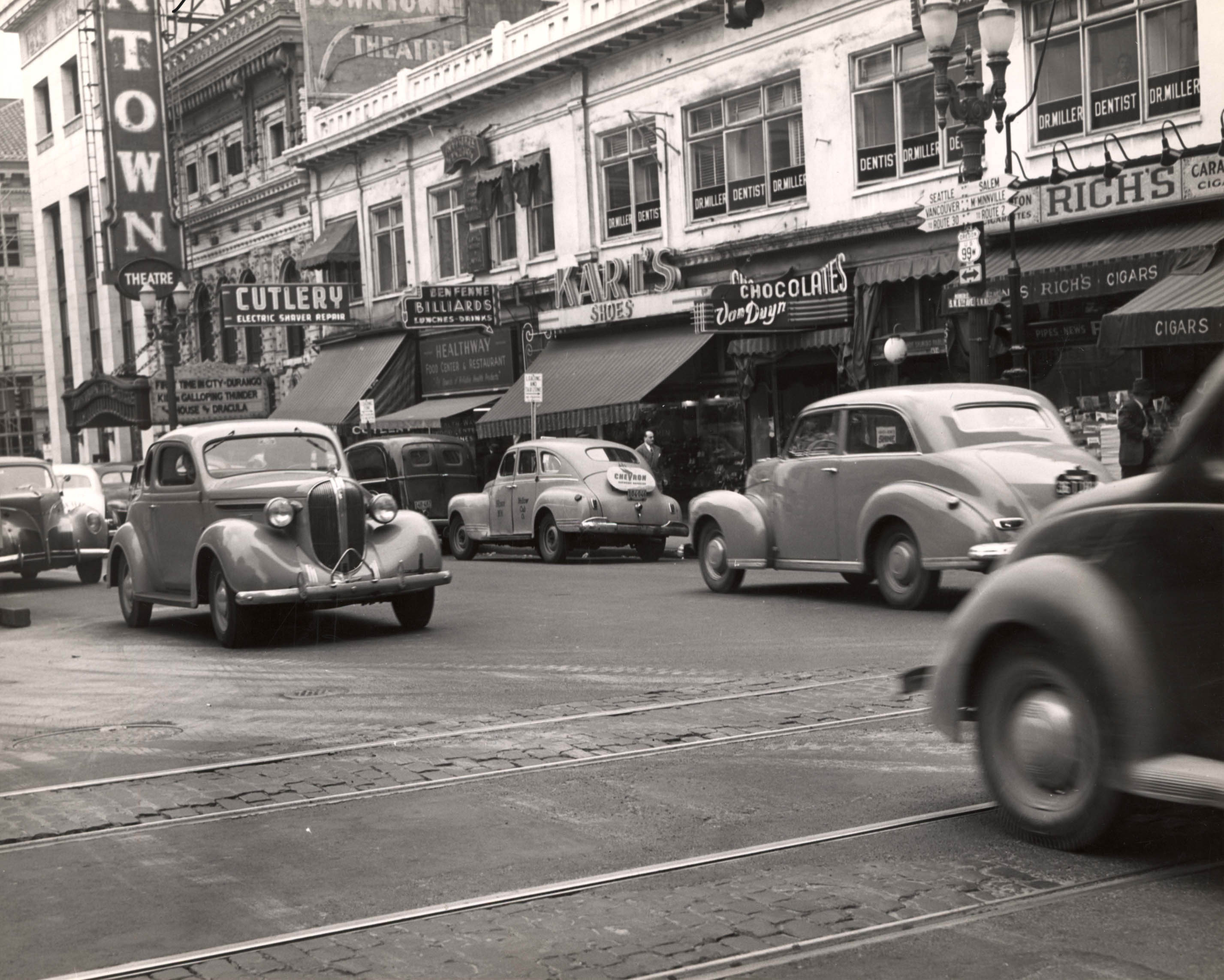 SW 6th Ave & Washington, 1946