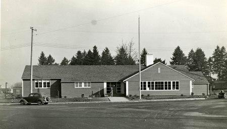 1944 c_building