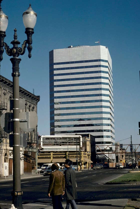 WTC and Old Main Tavern 1975 9904
