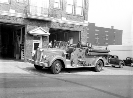 Station 3 Engine 3 (App 17 1949 Mack) 1950