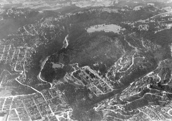 A2001-045.438  Aerial of Washington Park 1939