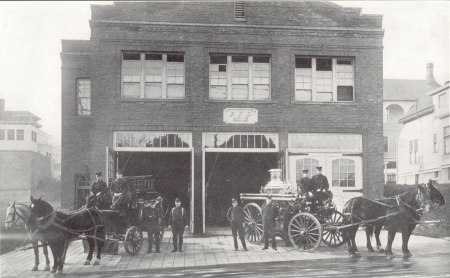 Station 16 Crew and horse drawn apparatus 1915