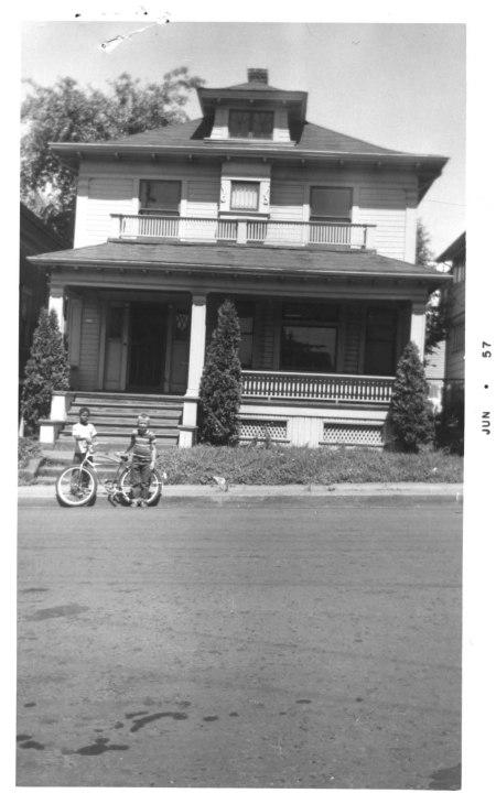 A2001-004.94 219 N Cherry St 1957