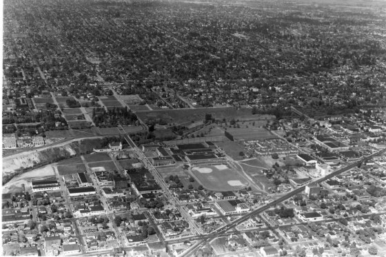 A2005-005.1479.11 Aerial Buckman Park Field NE 12th and Sandy 1947