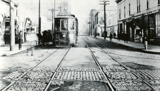 A2011-007.264 Portland Rail Light & Power Company car 661 at E Morrison & Water St c1915