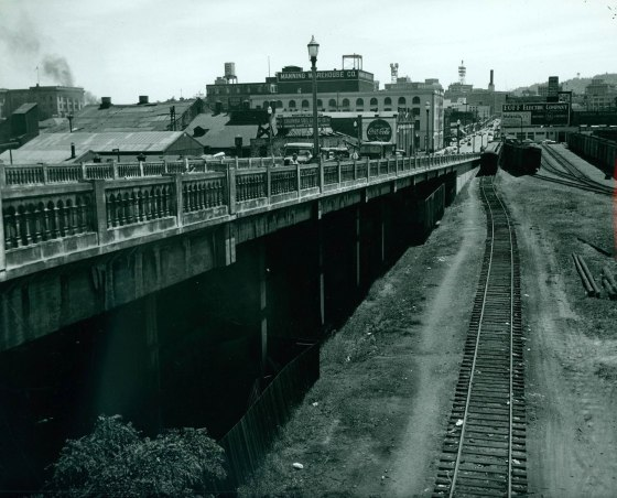 A1999-004.247 Lovejoy St Viaduct 10th southeast 1956
