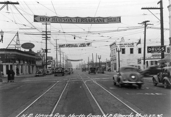 A2005-001.667 NE Union Ave north from Alberta 1936