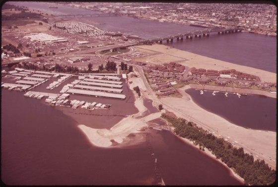 hayden island complex-NARA-548023 1973