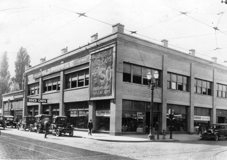 W Burnside and N Broadway 1933
