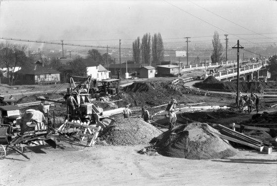 A2009-009.475 Construction of Ross Island Bridge Approaches 1925
