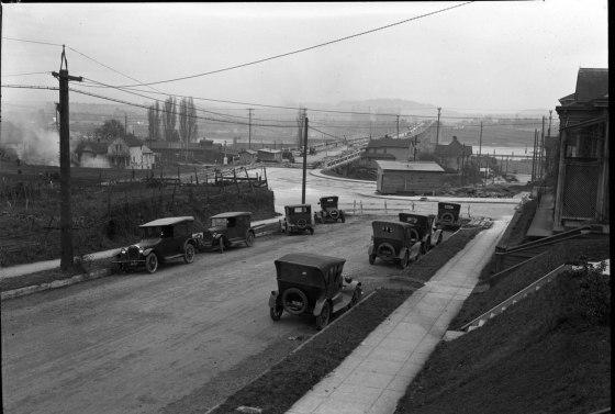 A2009-009.476 Construction of Ross Island Bridge Approaches 1925