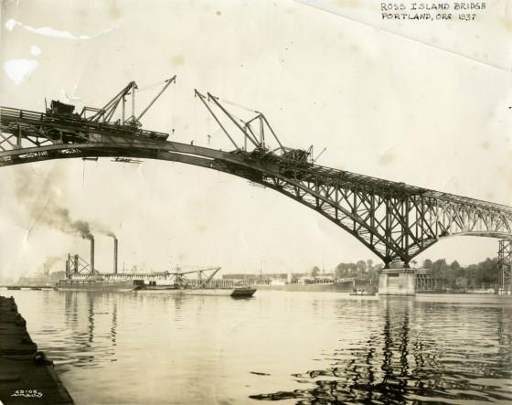 A2004-002.6387 Ross Island bridge 1926