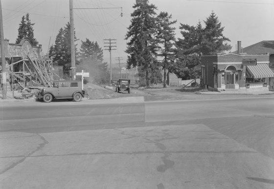 A2009-009.715- NE Sandy & 82nd Ave 1928