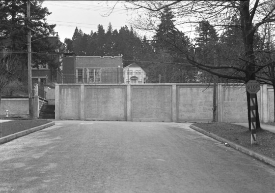 A2009-009.1497 Side view of Ainsworth Elementary School 1928