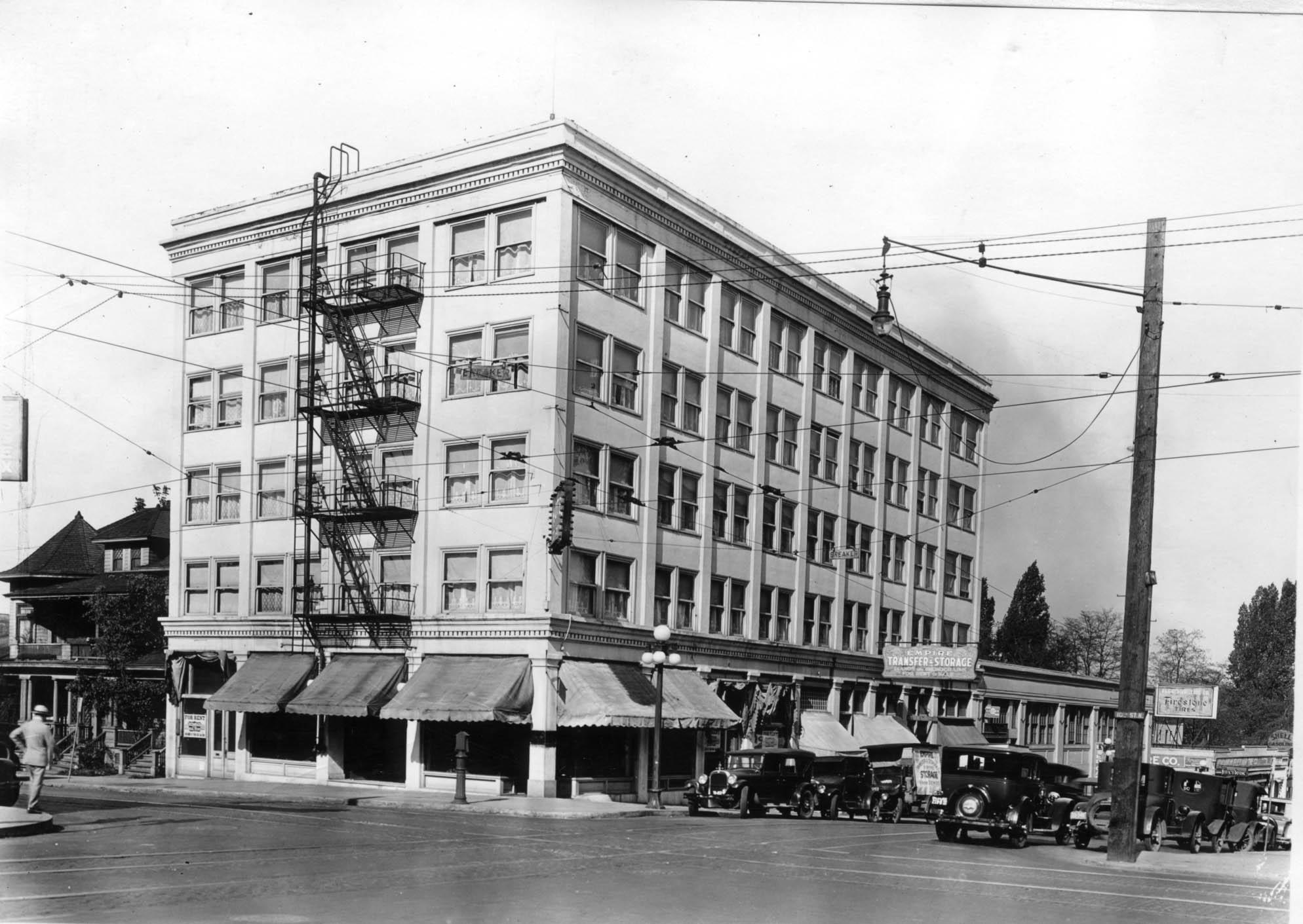 W Burnside St and N 10th 1927