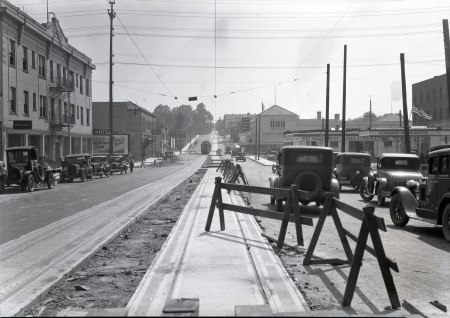 A2009-009.750- Construction on SE Morrison & 6th 1932