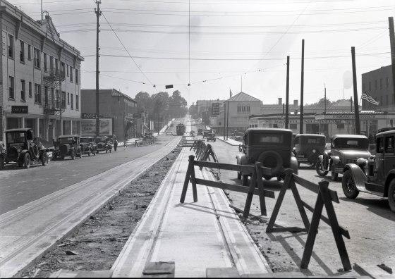 A2009-009.750- Construction on SE Morrison & 6th 1932