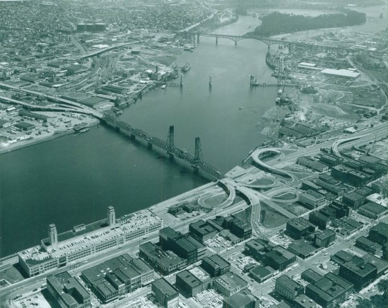 A2004-001.1012 Marquam bridge under construction 1963