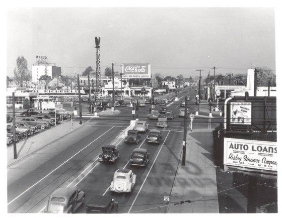 A2005-001.114 E Burnside Sandy and 12th east 1941