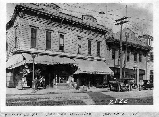 A2000-003.34 527 Burnside St  1500 block W Burnside St. 1917