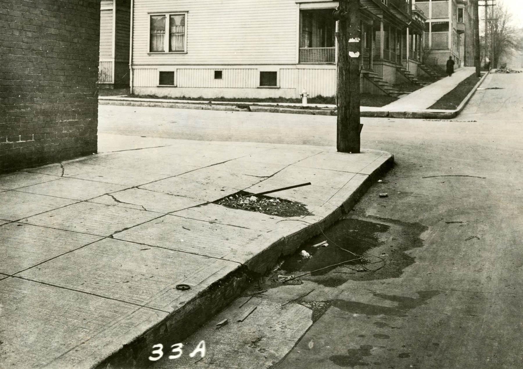A2000-003.50 SE corner NW 14th Ave & NW Davis St. 1917