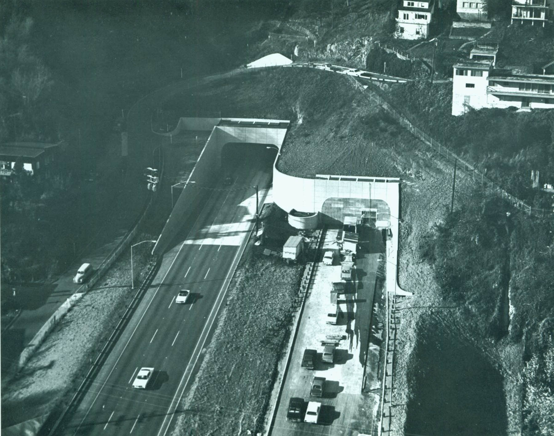 A2004-001.1059  Vista tunnel under construction 1969