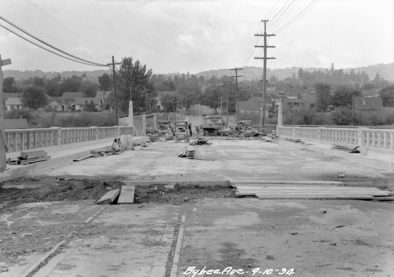 A2009-009.2969 Bridge Construction SE Bybee Blvd 1934