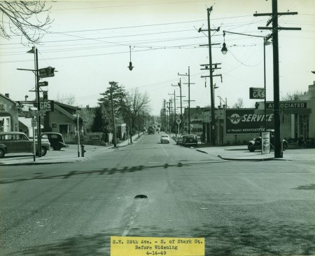 A2000-025.2111 Before widening SE 39th south of Stark 1949