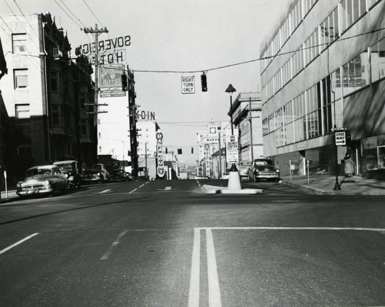 A2005-001.99 SW Broadway and Columbia north 1950