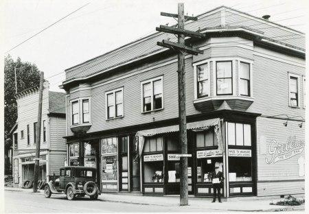 A2009-009.1813 NE Union & Eugene 1929