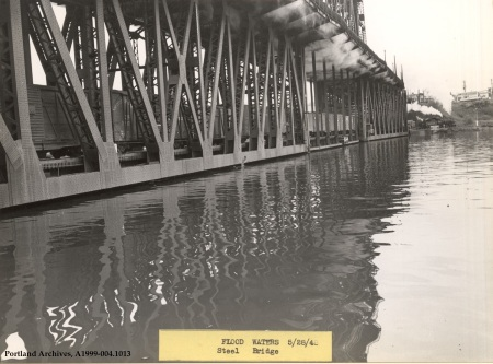 Flood water beneath the Steel Bridge, May 28, 1948 :  A1999-004.1013