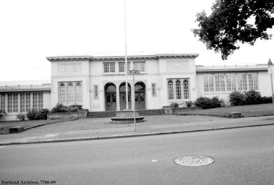 Kennedy School 5736 NE 33rd, June 23, 1981 : 7706-09