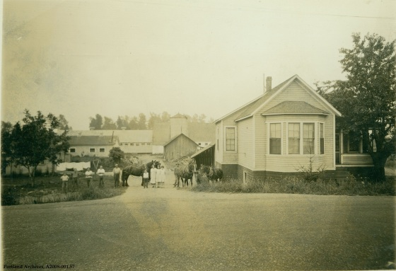 John Roth Dairy Faloma NE Portland, circa 1930 : A2008-001.57