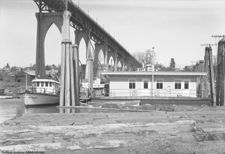 Floating Fire Station next to the St. Johns Bridge, April 6, 1938 : A2009-009.1681
