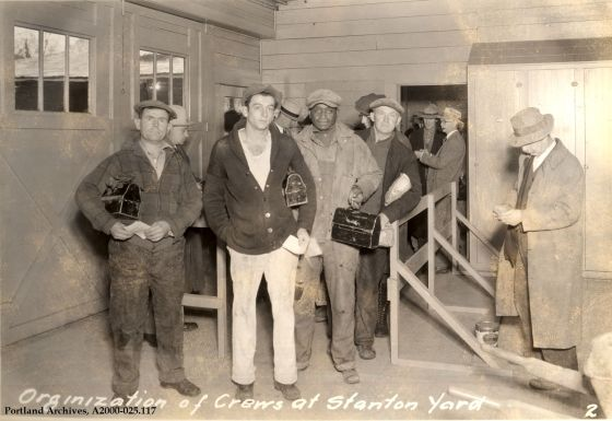 Organization of crews at Stanton Yard in North Portland, 1931 : A2000-025.117