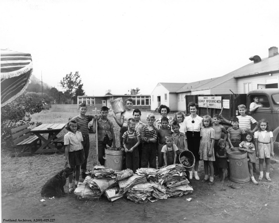 Guilds Lake housing clean up, circa 1944 : A2001-025.227