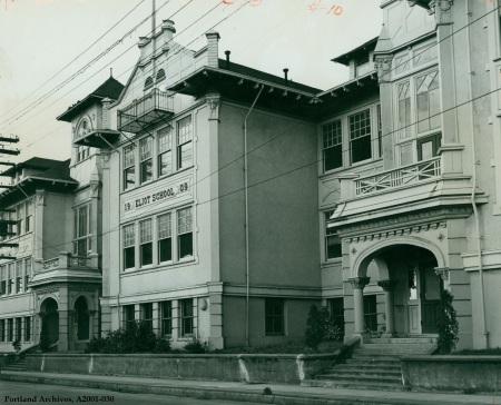 Eliot School on N Knott, circa 1951 : A2001-030