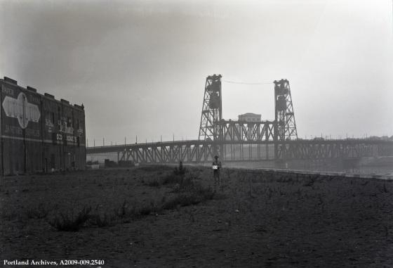 Steel Bridge, 1930 :  A2009-009.2540