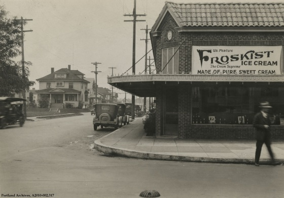 Unidentified shop, circa 1926 : A2010-002.317