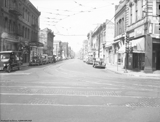 SW 1st Ave. and Madison St., July 11, 1944 : A2009-009.1925