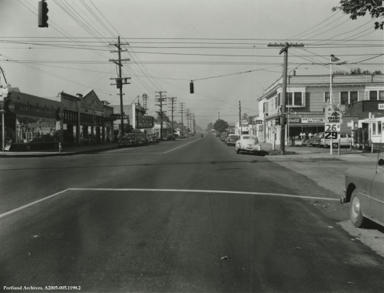 Intersection at N Lombard St. and N Albina Ave., 1952 : A2005-005.1198.2