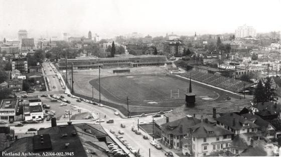 Lincoln High School under construction and surrounding area, circa 1952 : A2004-002.3945