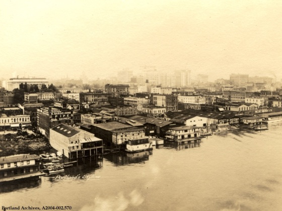 Portland waterfront and downtown looking west, circa 1918 : A2004-002.570