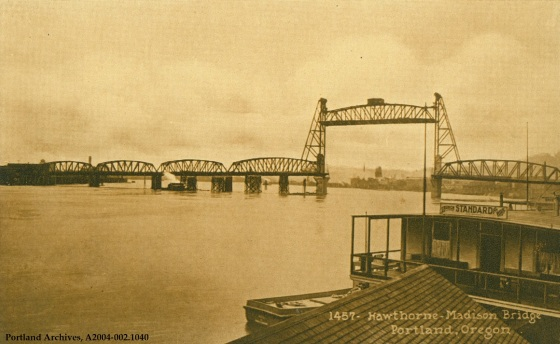 Hawthorne Bridge, circa 1914: A2004-002.1040