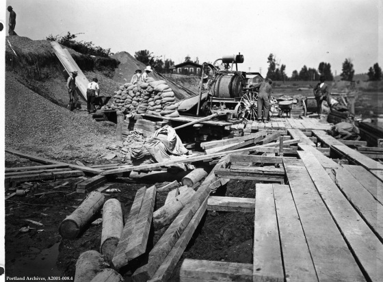 Balch Gulch Trunk Sewer mixer in operation at Guilds Lake, Sept. 9, 1921: A2001-008.4