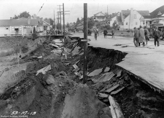 Main break on SE 47th Avenue at Wasco Street, 1925: A2008-009