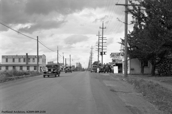 SE 82nd between SE Clinton Street and SE Division Street, circa 1934: A2009-009.2138