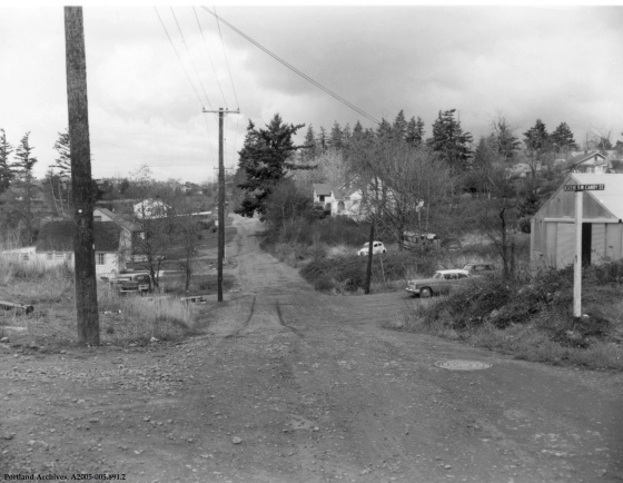 SW 34th Avenue and SW Canby Street, : A2005-005.891.2